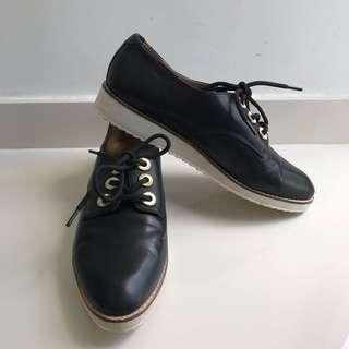 🚚 Aldo leather shoes