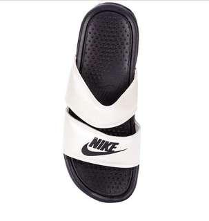finest selection 189d0 2f780 Nike Benassi Duo Ultra Slide Sandals