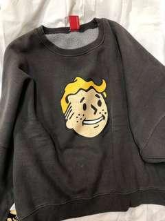 雀斑男孩刷舊圖案 短版深灰衛衣