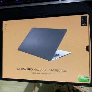 "Uniq Husk Pro Macbook Pro 13"" Touchbar 2016/2017 Case - Frosted Grey #STB50"