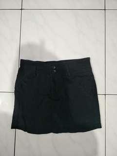 Black Skirt Fit to M