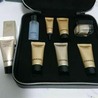 全套總值超過$1000 Chanel Sublimage Sample Set