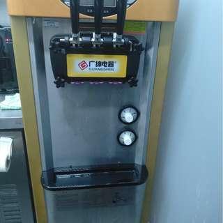Soft Serve Ice Cream Machine for Sale $300