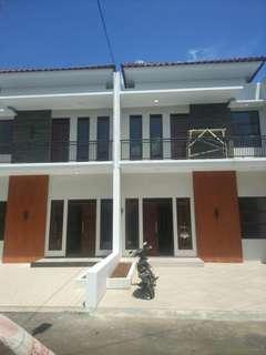 Rumah dalam cluster lokasi strategis dekat pintu tol Andara & tol TB Simatupang  Securty24 jam  One gate sistem