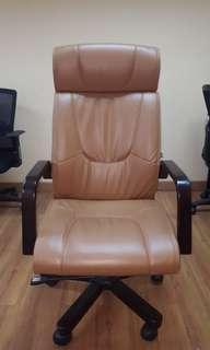 Office Chair (Directur) Merk Informa Brown Color