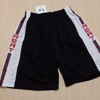 🚚 黑色五分短褲