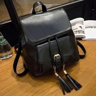🚚 $12 brand new black backpack