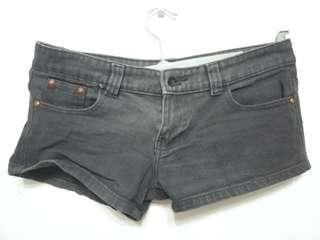 🚚 Black Denim Shorts