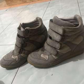 Sepatu sneakers wedges airwalk