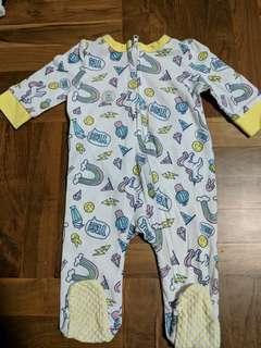 BNWOT 0-3month baby long sleeve zip romper pyjamas