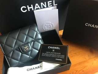 Chanel 香奈兒小羊皮經典短夾