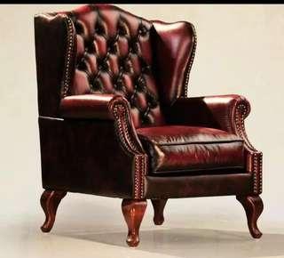 🚚 Antique Sofa