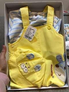 🚚 [台灣製造]小孩衣服禮盒-吊帶褲+短袖T恤+帽子