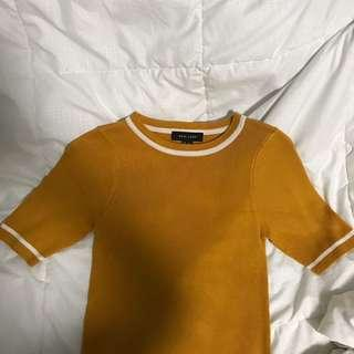 🚚 new look mustard rubbed knit top