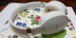 OLIKE Oppo White Headphone