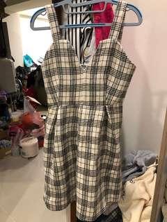 格子毛呢吊帶洋裝👗