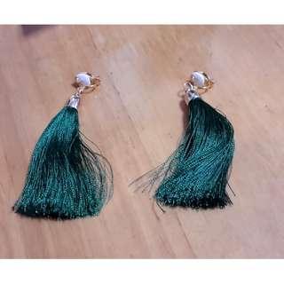 墨綠色大流蘇夾式耳環
