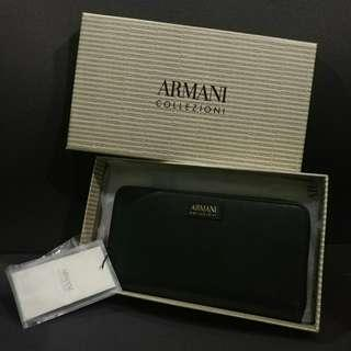 (Only 1 piece) Brand New authentic Armani Collezioni women's genuine leather wallet