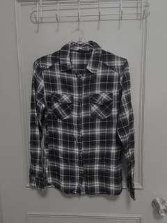 🚚 大降價。NET 黑色格子襯衫 #半價衣服市集