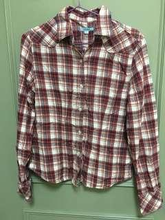 大降價。班尼路 紅色格子襯衫 #半價衣服市集