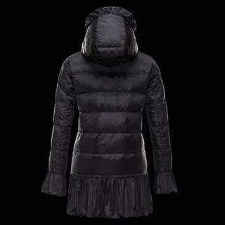 moncler doun coat Serre Black(originally $2300+) very good condition barely wore size 2