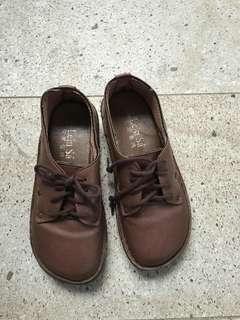 🚚 女皮鞋35碼