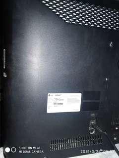 """TV LG  LED 32"""" plus braket"""