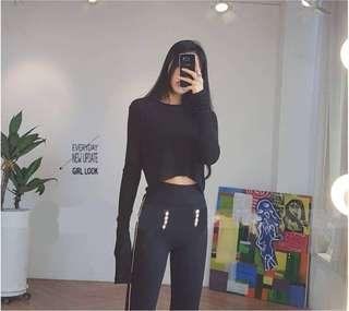 Black long sleeves cropped top