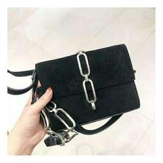 Zara chain slingbag