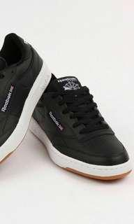 🚚 Reebok club c black