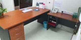 🚚 2 sets of Office table $100/set