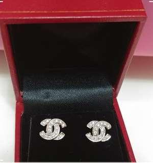 Chanel 款鑽石耳環