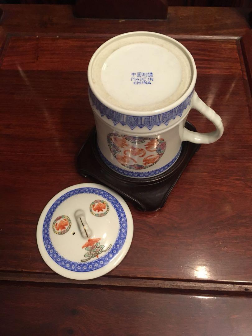 「中國制造」青花蝠鼠茶杯