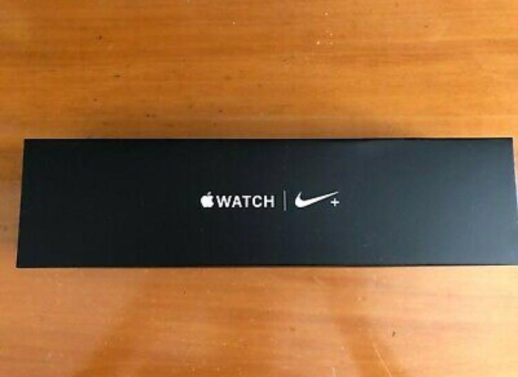 Apple Watch Series 4 Nike+ 44 mm Silver Aluminum Case