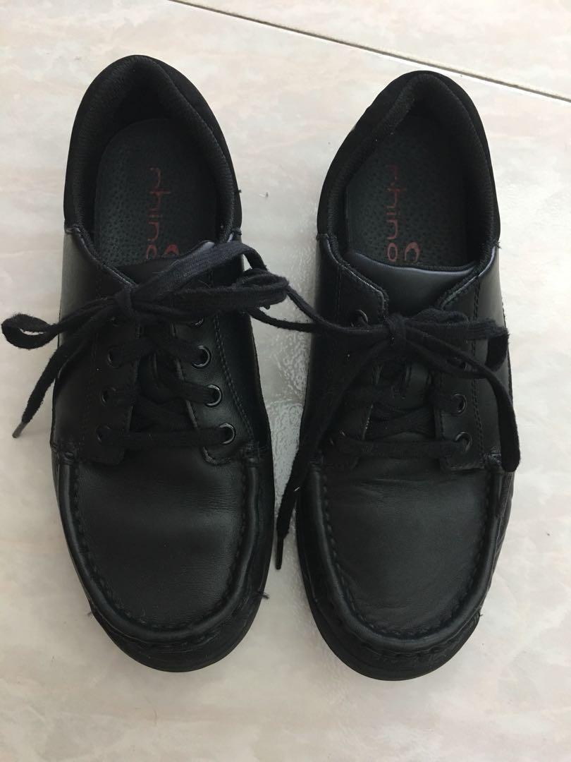 98dd5477a Clarks Boys Black Leather Shoes UK 3H