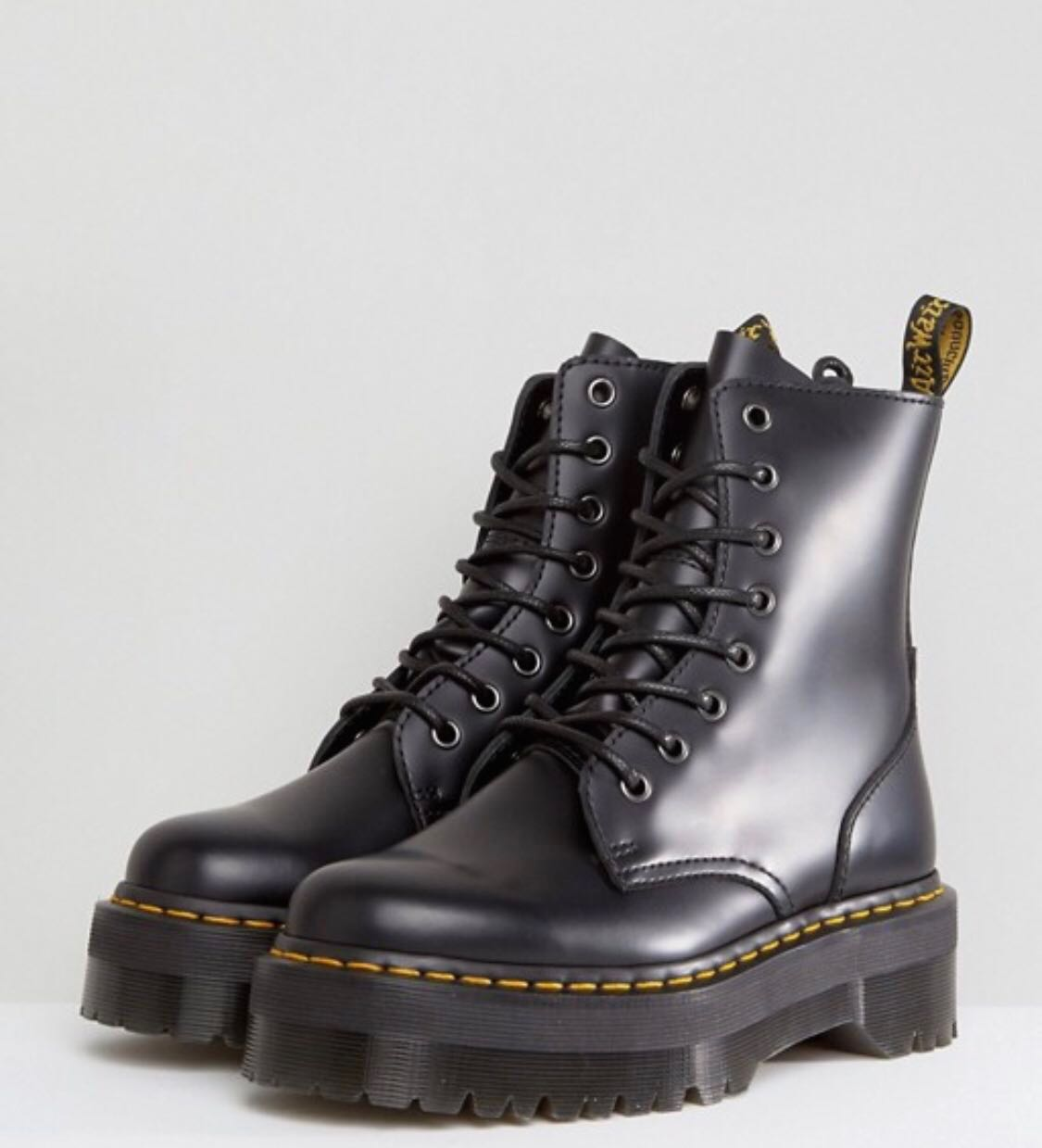 17a5df1b546dc Dr Martens Jadon Boots, Women's Fashion, Shoes, Boots on Carousell
