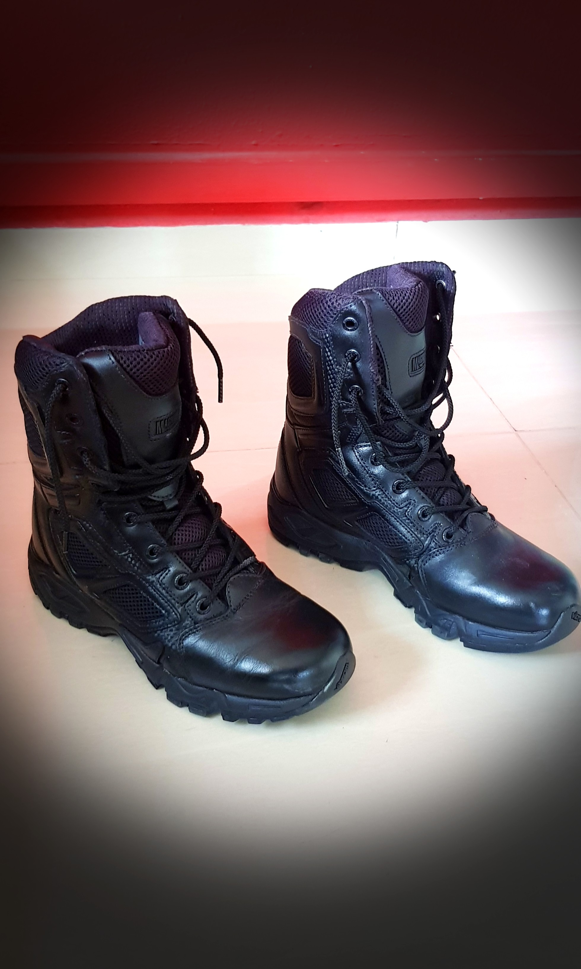 7a24a49fb9a Magnum Elite Spider 8.0 Tactical Boots (used 1 time only!)