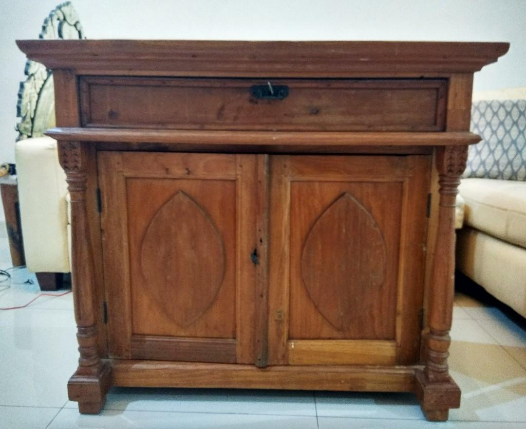 Meja antik kayu jati tua ada laci dan kuncinya