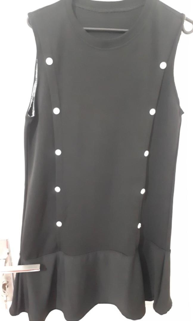 Mini dress black button