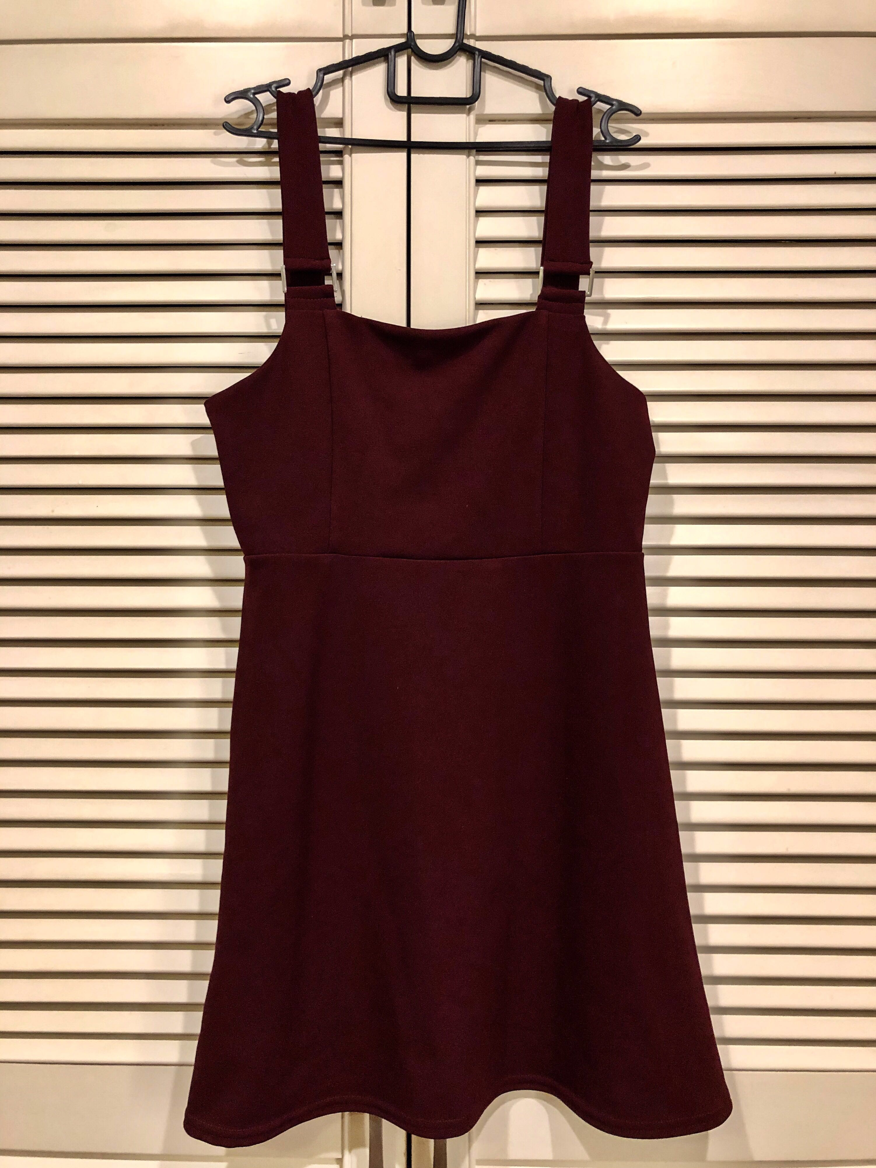 76dedc798c26 New Look Maroon Pinafore Dress, Women's Fashion, Clothes, Dresses & Skirts  on Carousell