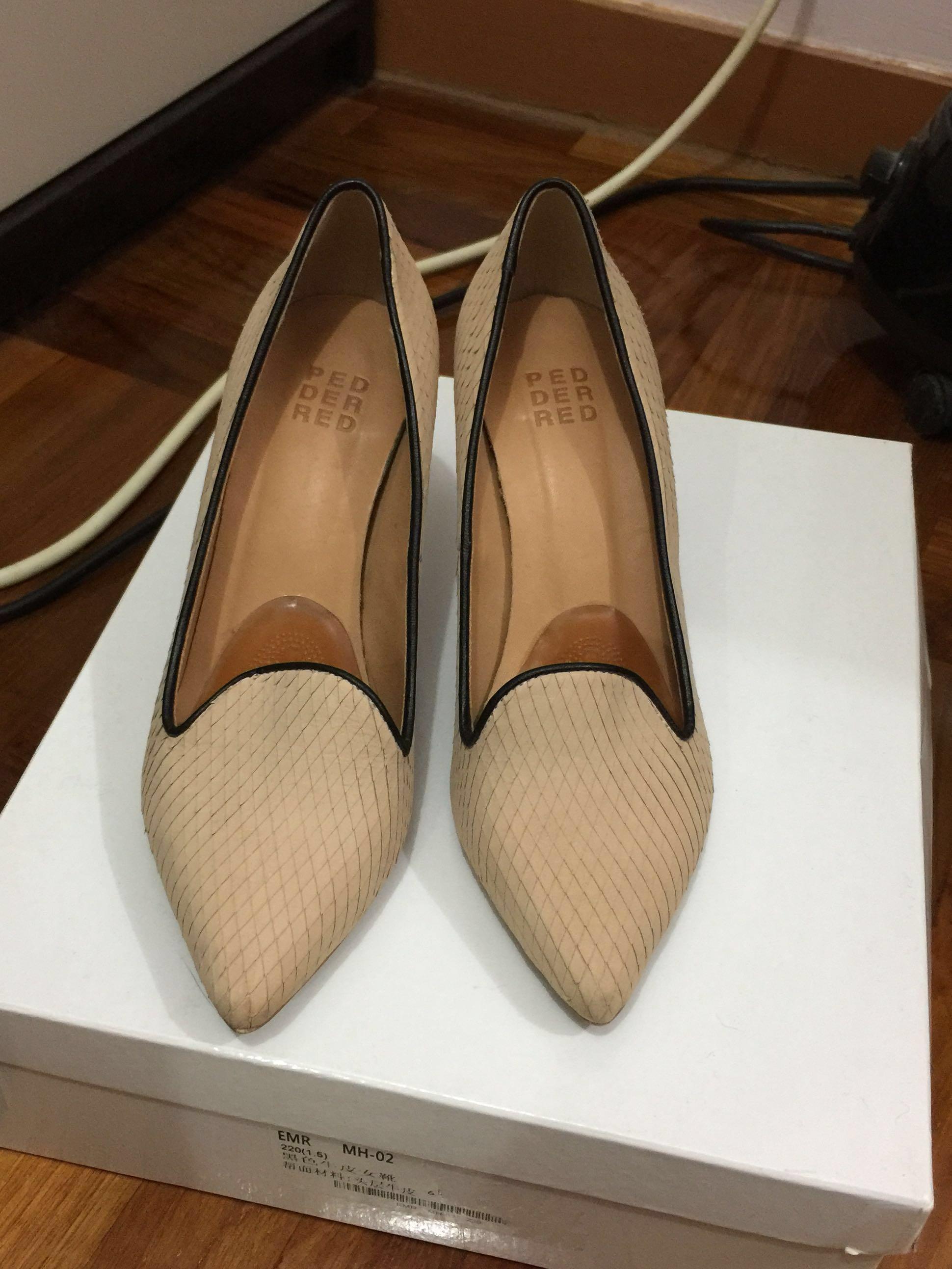 Pedder Red 米色高跟鞋