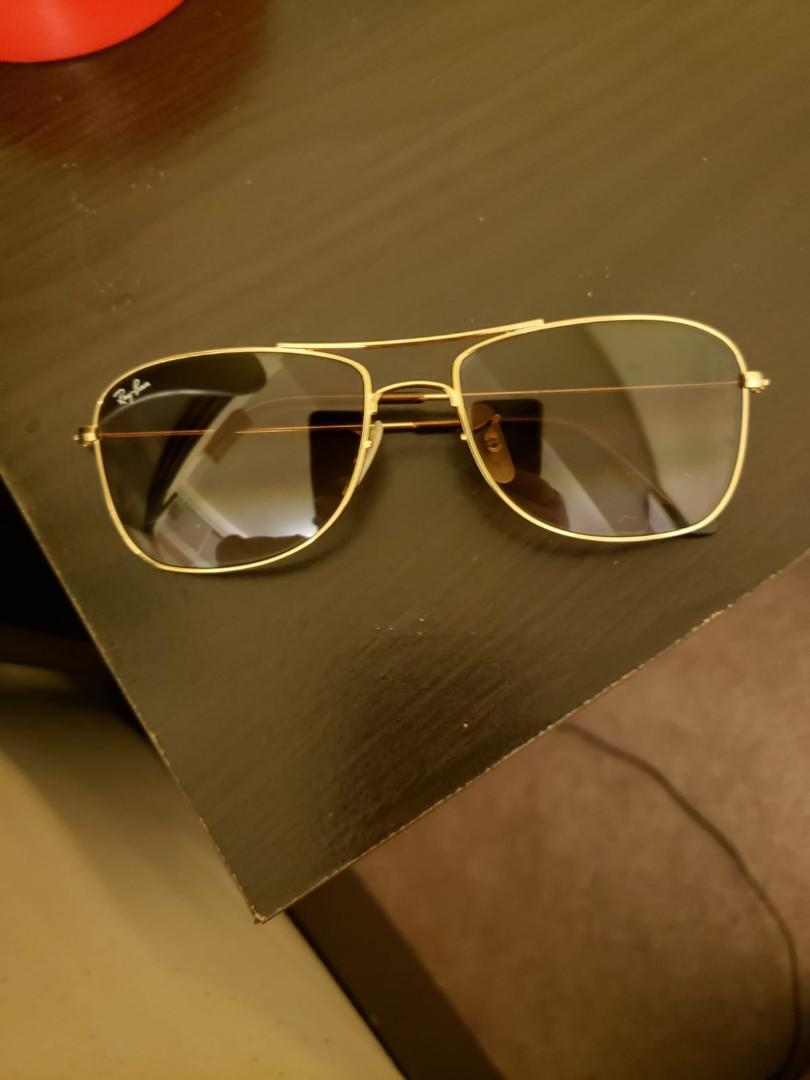 Top classy beautiful Rayban Aviator Golden  frame light brown gradient lenses for sale without case. Bought it for 220 dollars 2 months ago and selling it for a good price.