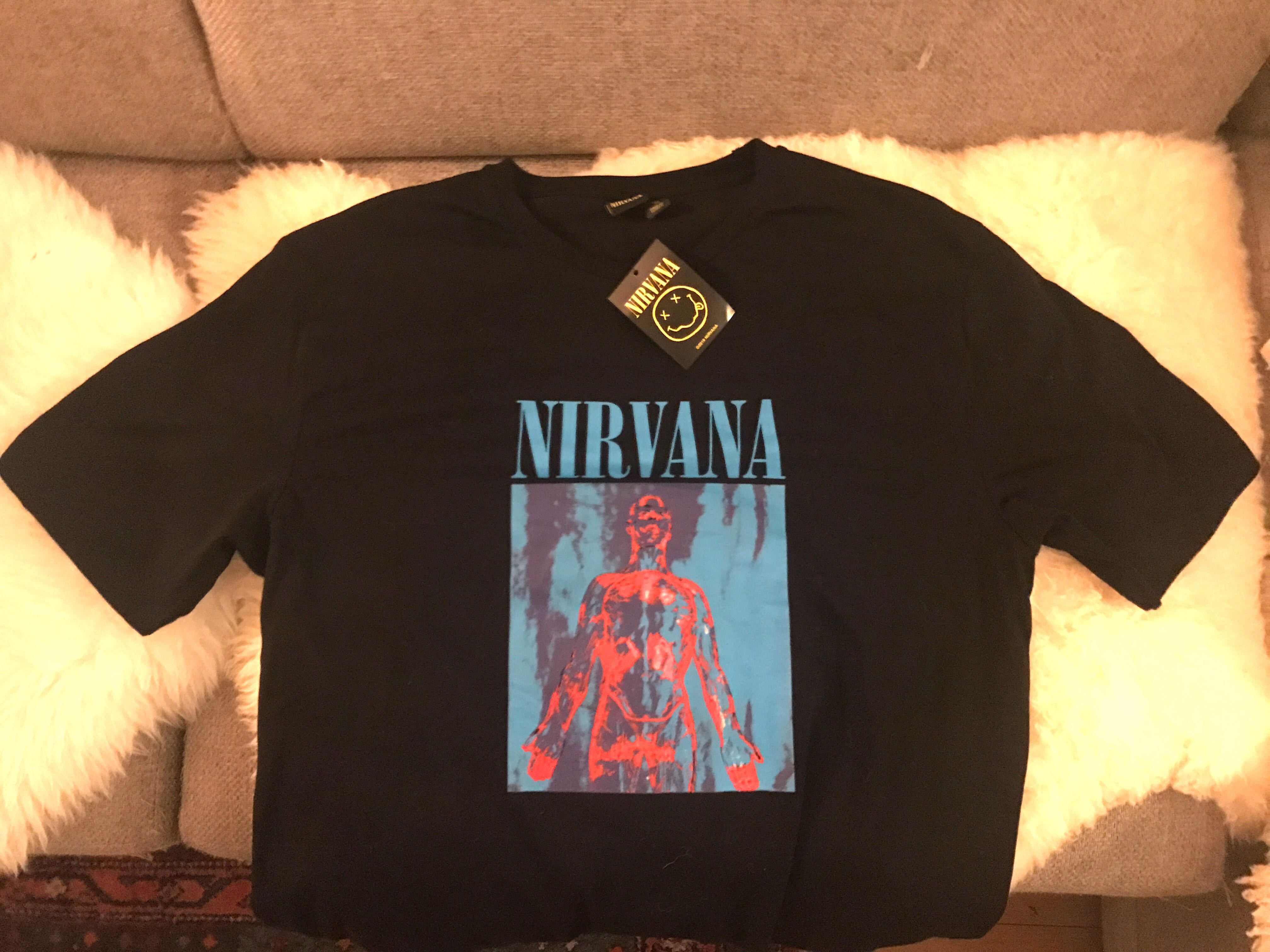 fd22c0ecd Vintage Nirvana Tee Shirt Size M, Men's Fashion, Clothes, Tops on Carousell
