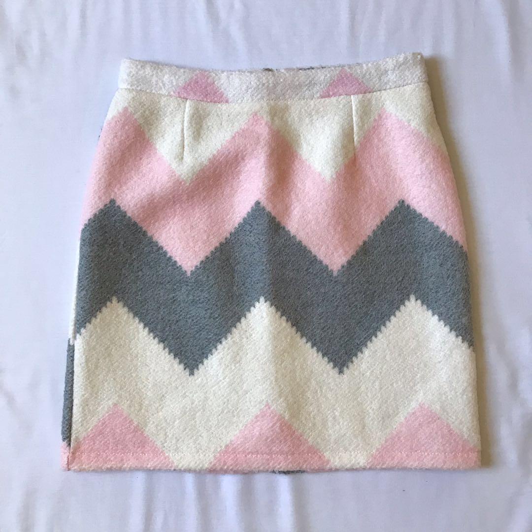 Women's Preowned Winter Geometric Pastel Fluffy Wool A Line Mini Skirt Size S