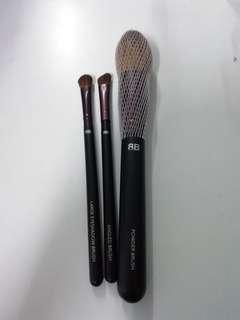 8B Shine Brush