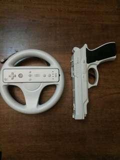 Wii controller stearing + gun + 2 remote