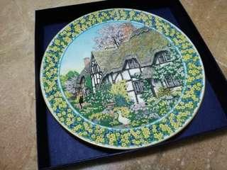 🚚 Authentic Royal Worcester - fine china bone plate - Cottage Gardens by Sue Scullard