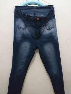 Celana Jeans warna biru