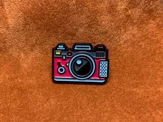 🚚 (Enamel Pin) Camera
