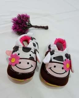 Sepatu Bayi Prewalker Motif Sapi